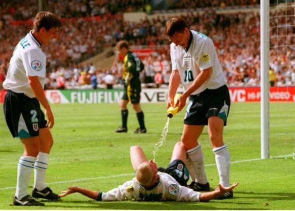 Paul Gascoigne dentist chair euro 96